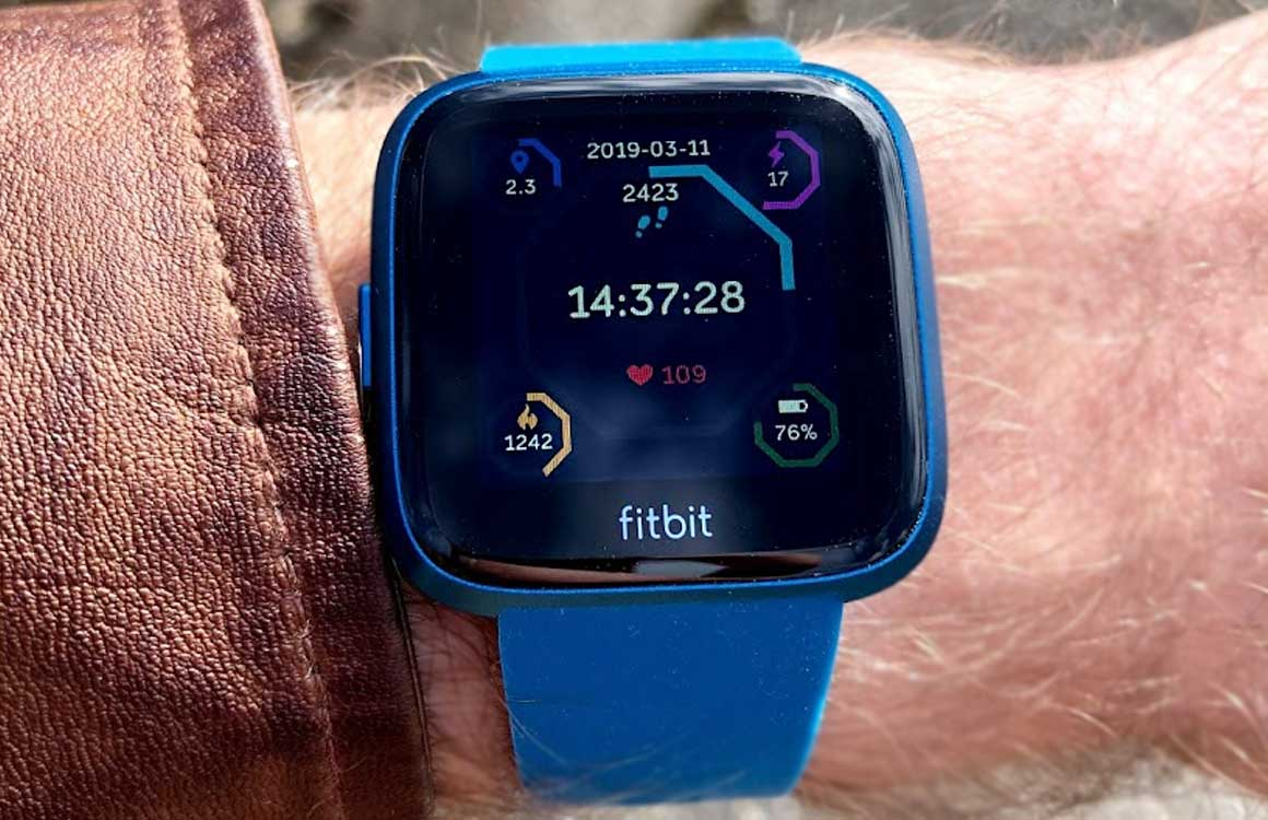 fitbit versa lite edition review