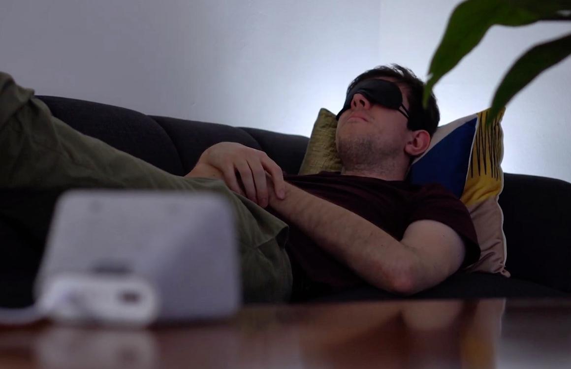 Onderzoek: 'blauwlichtfilter op smartphone helpt je niet beter te slapen'