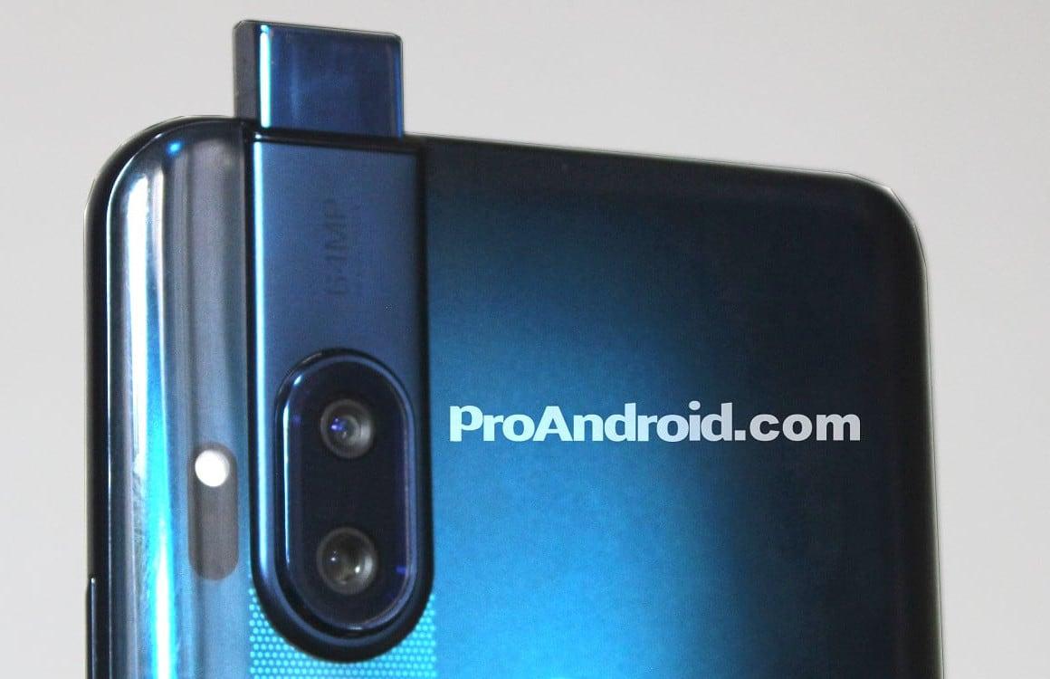 'Motorola-smartphone met uitschuifbare selfiecamera verschijnt online'