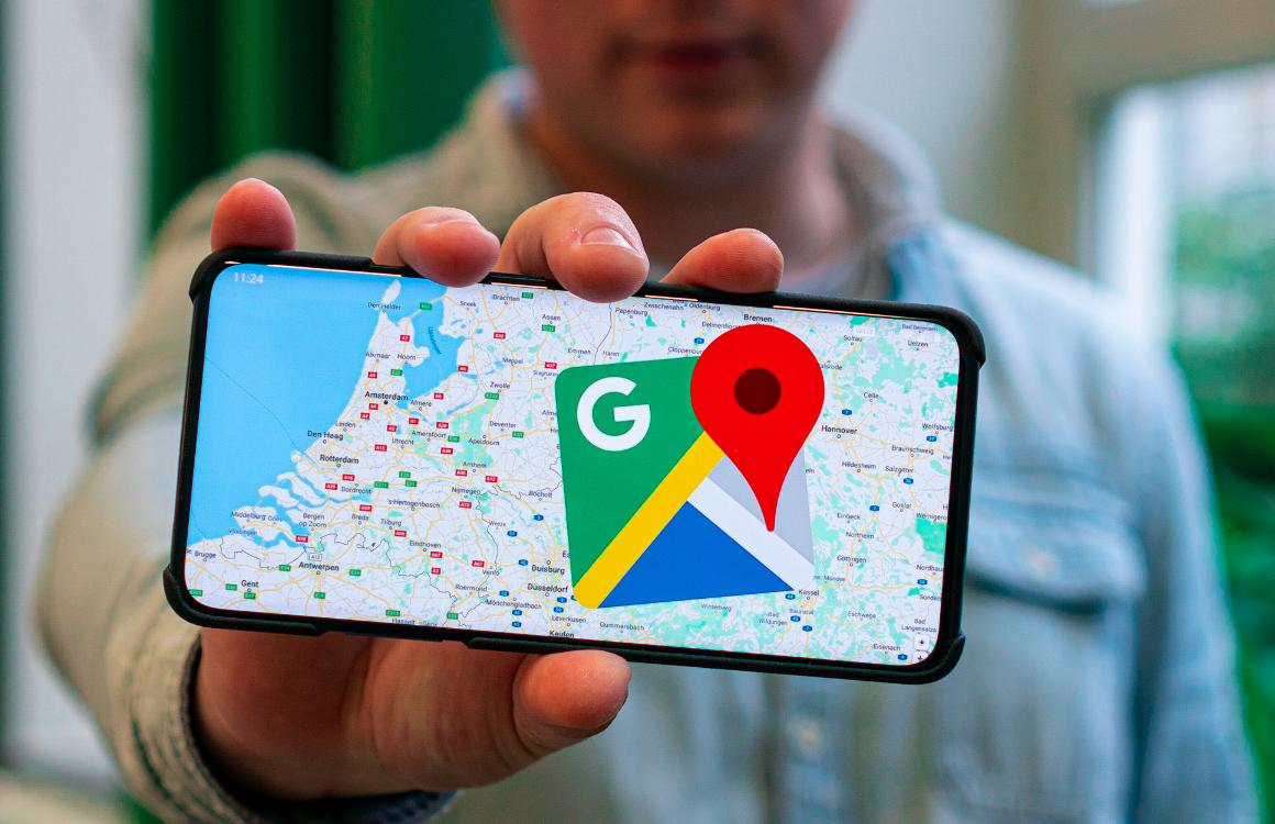 Virtuele files in Google Maps door gebruiker met 99 smartphones