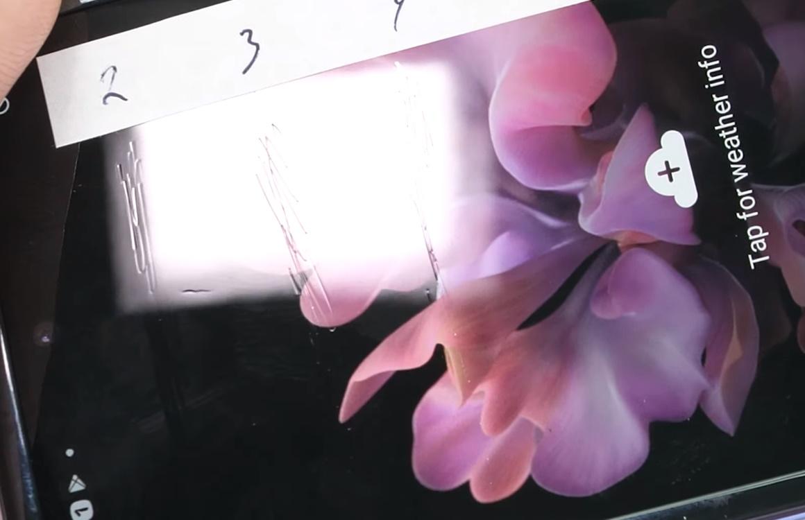 'Flexibel glas van Samsung Galaxy Z Flip krast net zo gemakkelijk als plastic'