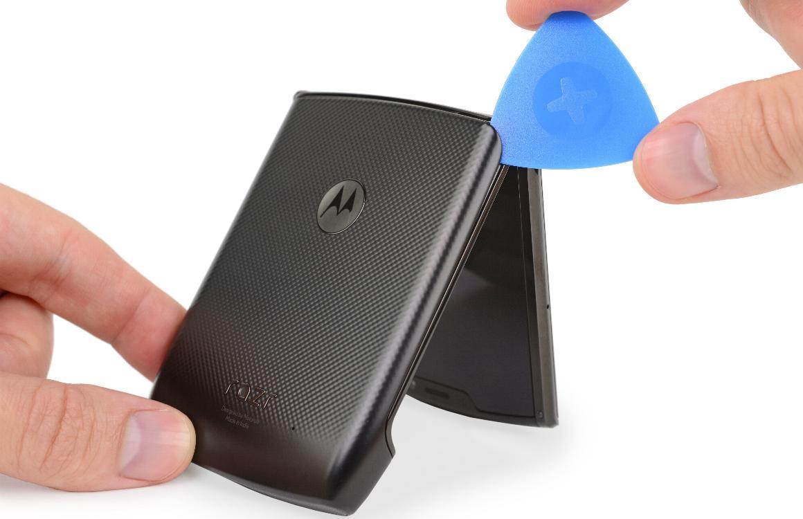 Teardown: zo ziet de Motorola Razr er van binnen uit