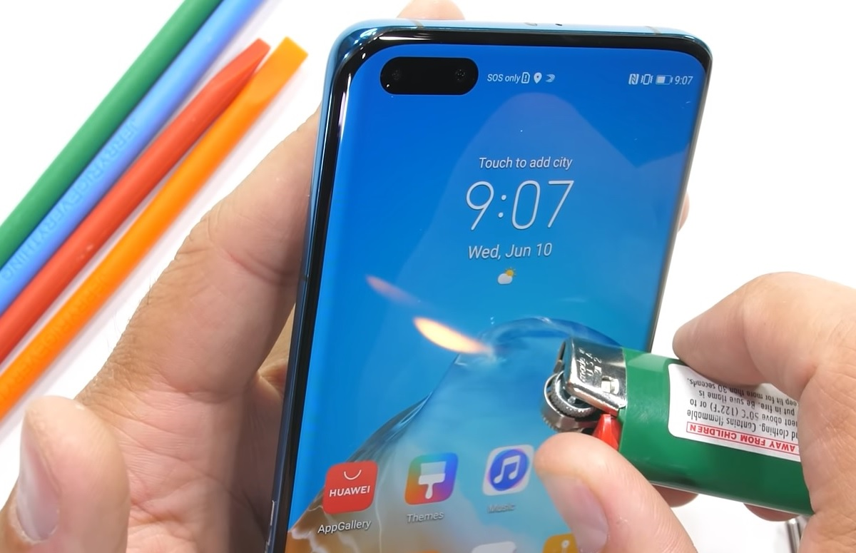 Video: Huawei P40 Pro geeft geen kik in marteltest