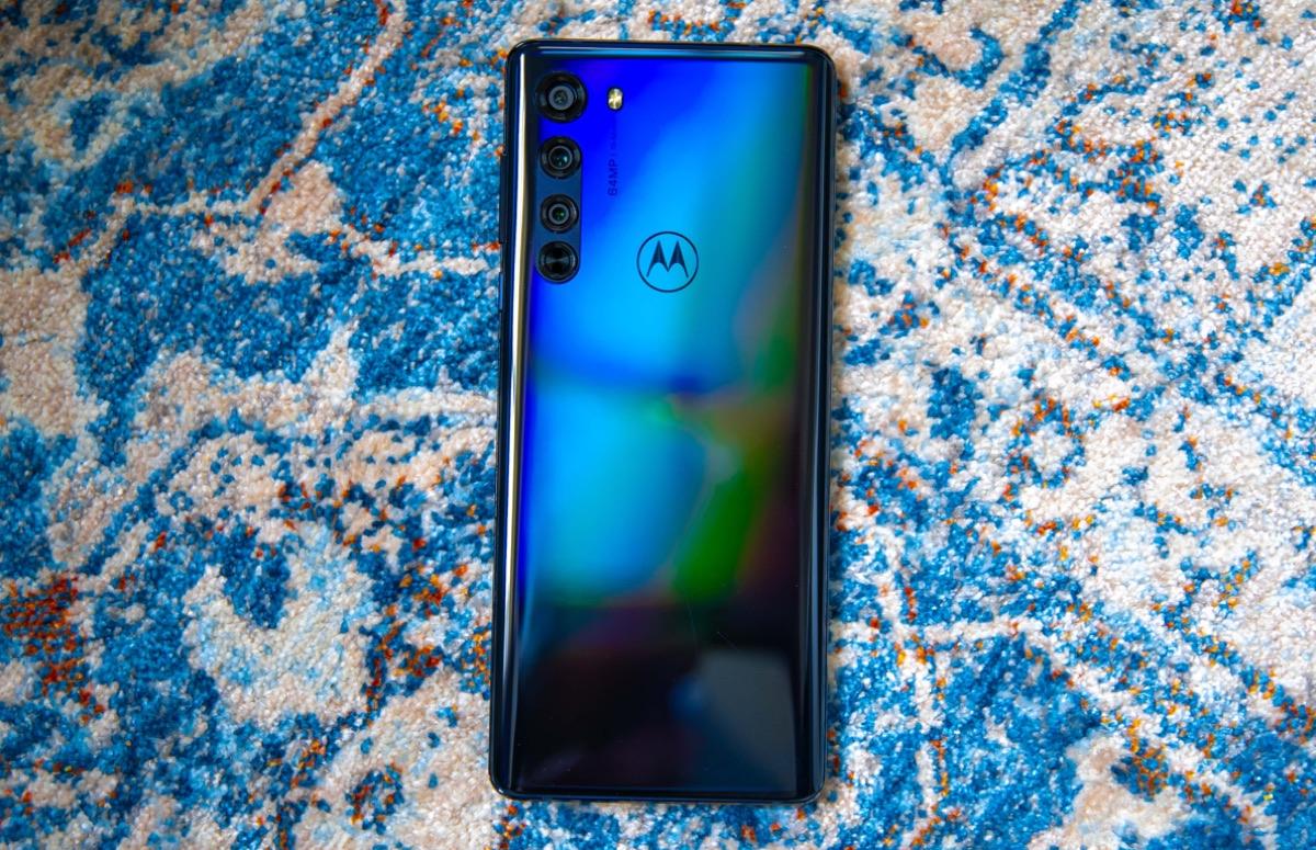 'Motorola Nio met dubbele selfiecamera te zien op gelekte foto's'