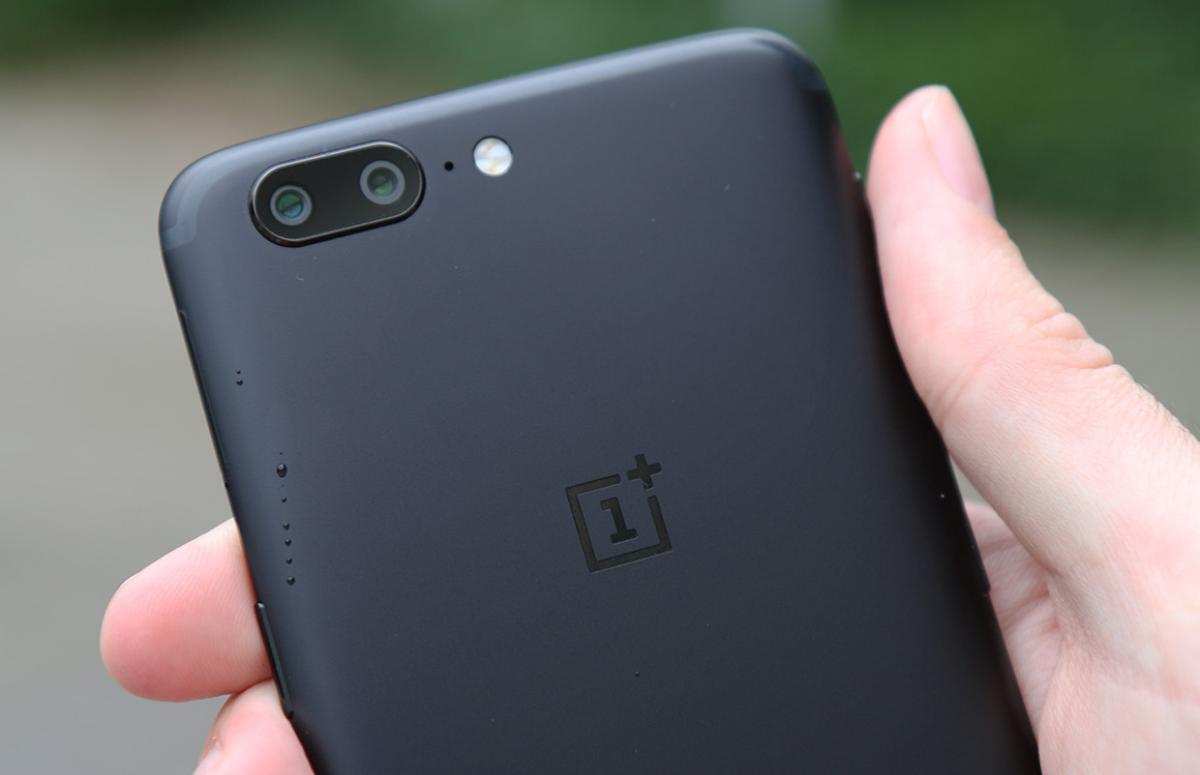 Waarom updates voor de OnePlus 5 en 5T al maanden op zich laten wachten