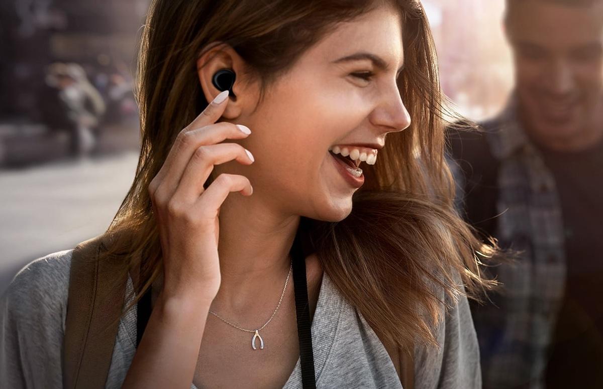 7 toffe en betaalbare draadloze headsets en oordopjes op een rij