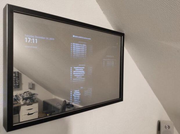 Hammer Tech Smart Mirror