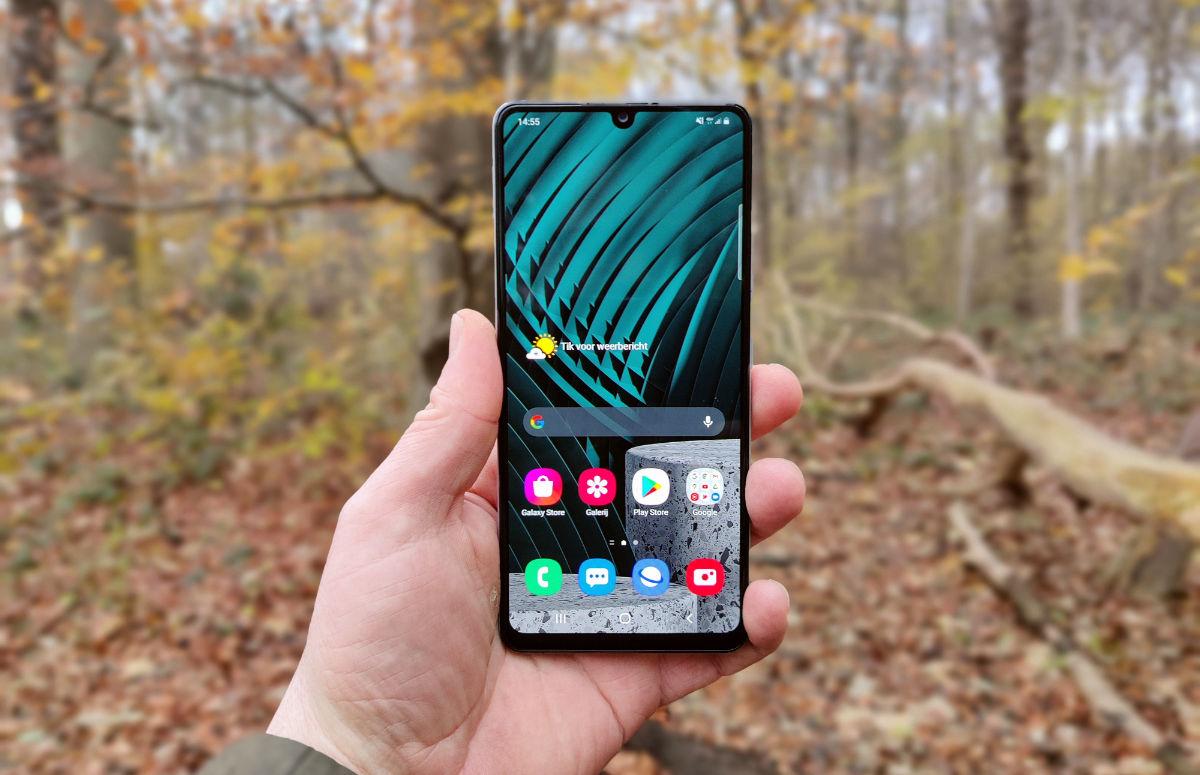 Samsung Galaxy A42 5G review: 5G ten koste van een goed scherm