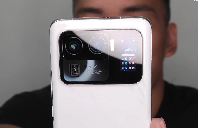 'Gelekt: Xiaomi Mi 11 Ultra krijgt klein schermpje op de achterkant voor betere selfies'