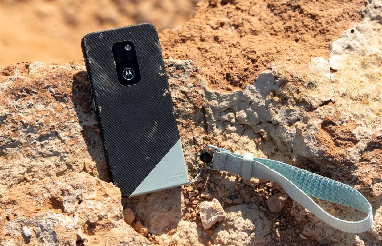 Motorola Defy is een stevige smartphone met bescheiden specificaties