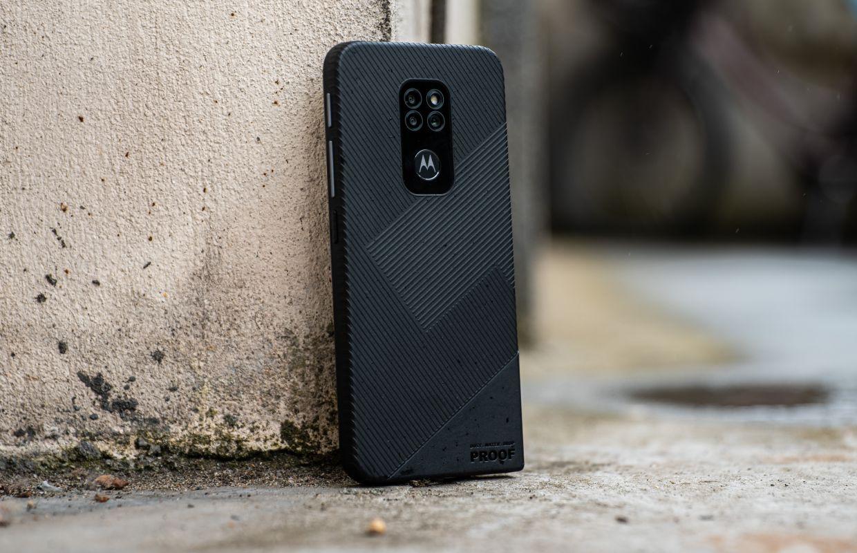 Stevige Motorola Defy nu te koop in Nederland voor 329 euro