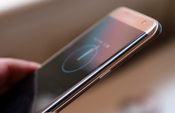 'Chinese merken voorzien smartphones van Samsungs Edge-techniek'