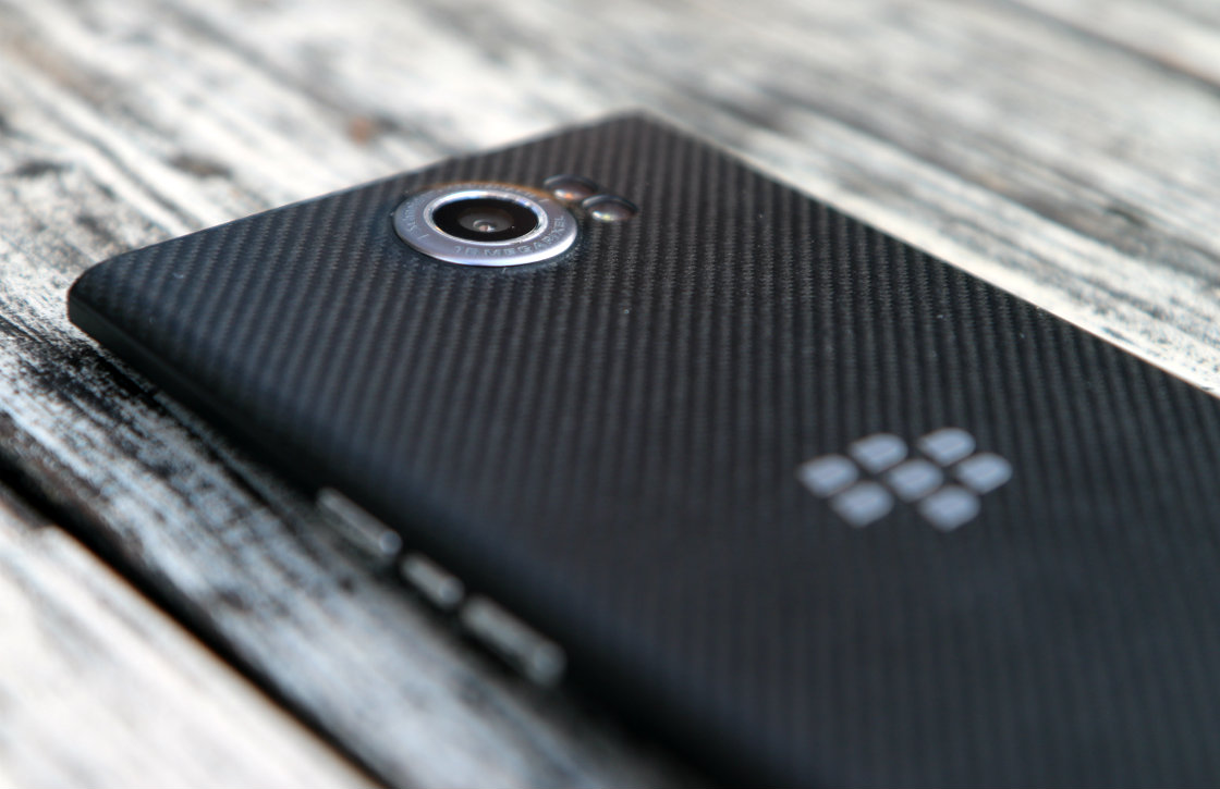 'BlackBerry sluit zijn hardwaredivisie op 28 september'