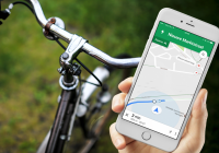 Minister: 'Smartphone op de fiets gebruiken vanaf 2020 verboden'